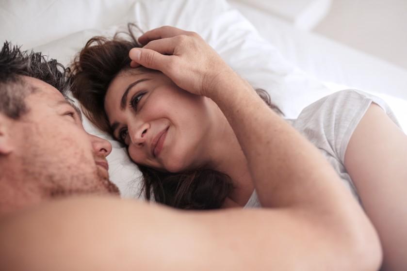 Bedgeheimen: 'We liggen graag in elkaars armen, daar hoeft niet altijd seks van te komen'