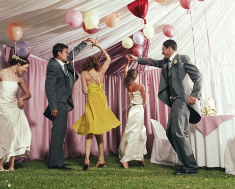 Een bruiloft met een dresscode, wat moet je aan?