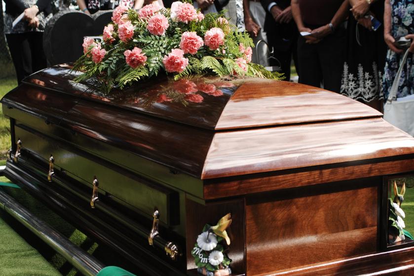 Liever te dik in de kist? 'Steeds meer mensen hebben obesitas en crematoria moeten zich aanpassen'