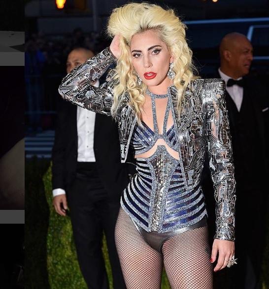 Zien: De radicale stijltransformatie van Lady Gaga