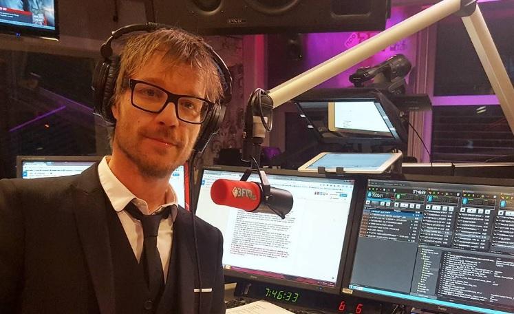Deze 3FM-dj neemt ochtendshow over van Giel Beelen