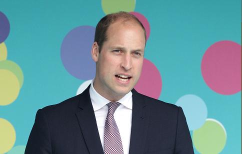 Prins William siert als eerste Britse royal cover homoblad