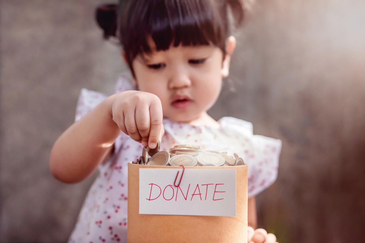 Ouders geven bijna 10.000 euro per jaar uit aan eerstgeboren kind, Flairs Gina ook