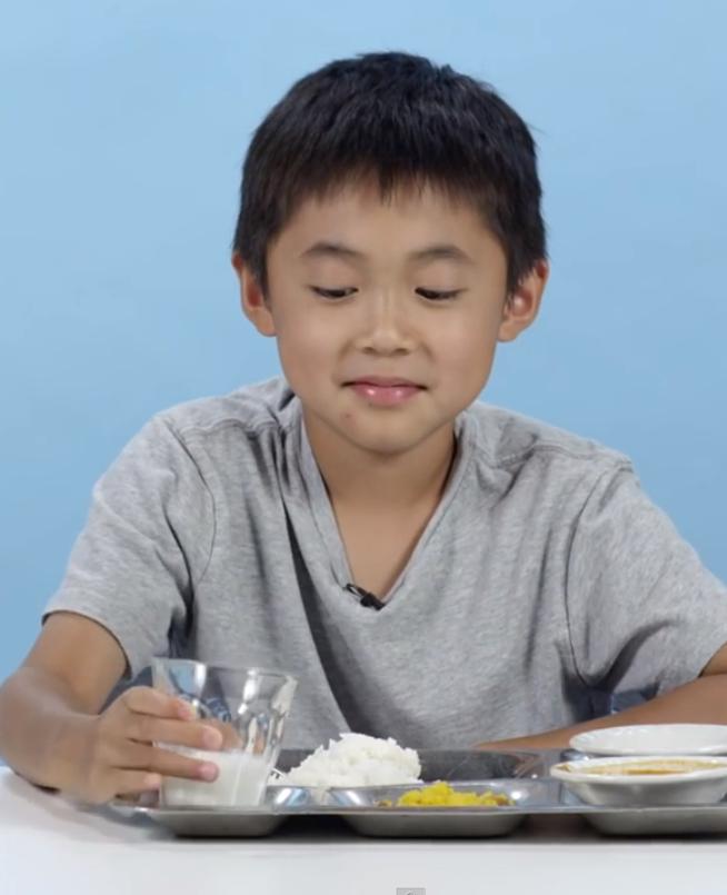 Kids proeven lunch van scholen in andere landen