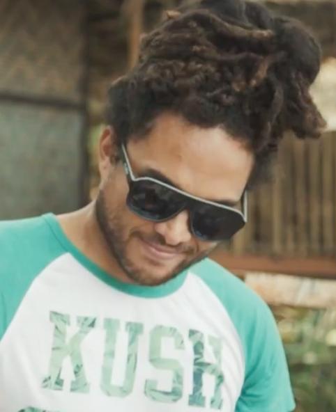 Broer en zus maken van 'Hello' reggae nummer