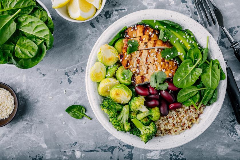 7 voedingsmiddelen die je altijd in huis moet hebben voor een gezonde levensstijl