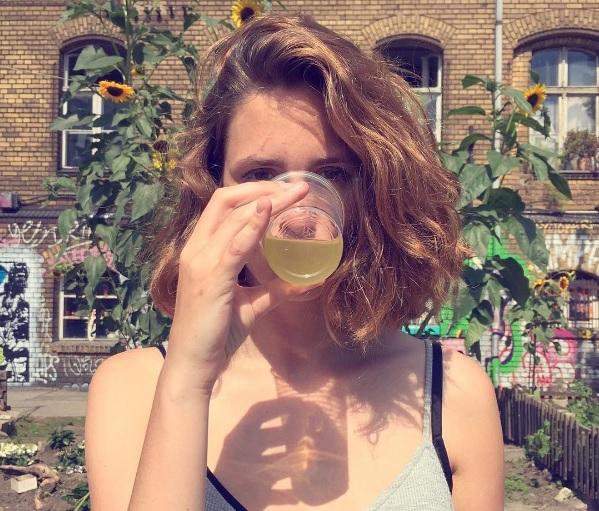 OMG! Niemand stelde zich vragen bij het alcoholgebruik van deze Instagram-sensatie!
