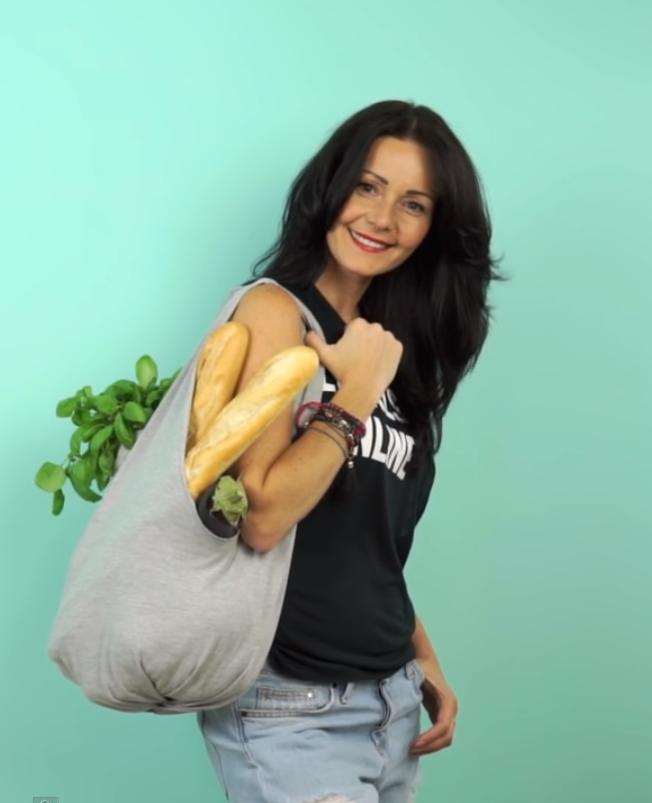 Maak van je T-shirt een boodschappentas
