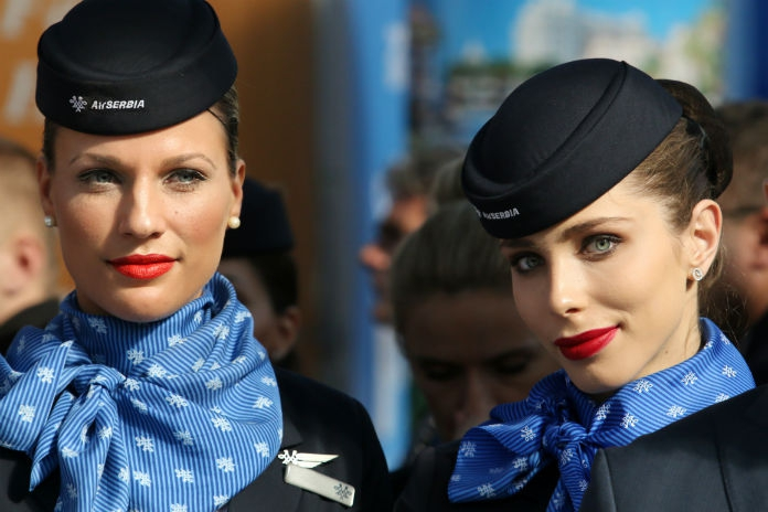 Fashion in the Air: stewardessenmode in de Kunsthal