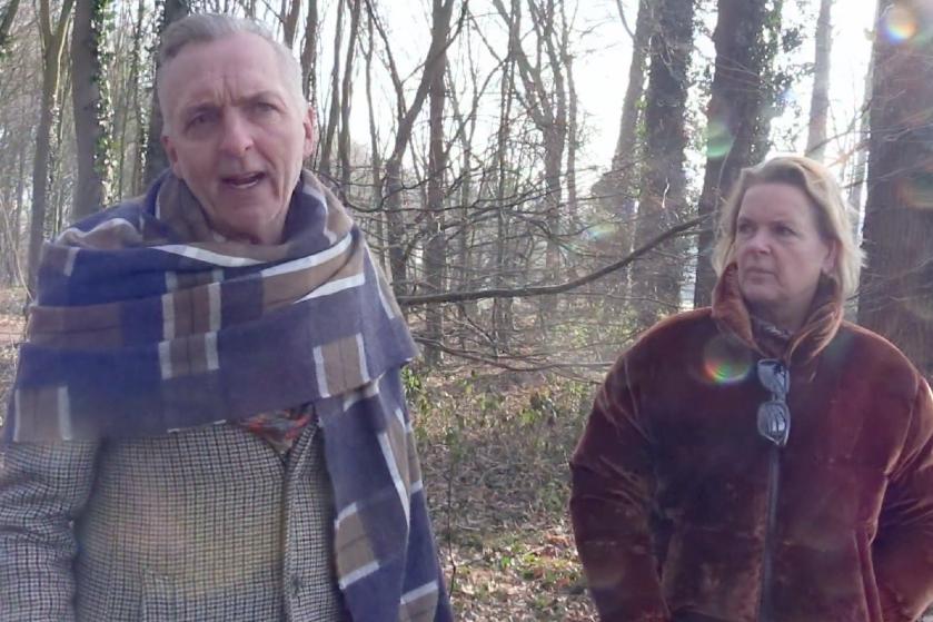 """Kijkers gaan stuk om het Engels van Martien Meiland: """"The dogs can lopen daar free"""""""