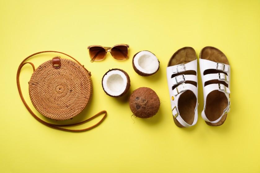 Voetafdrukken in je sandalen en slippers? Zo verwijder je zo in een paar minuten