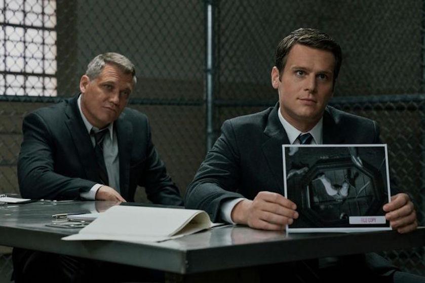 Dol op serial killer-series? 'Mindhunter' seizoen 2 staat bíjna op Netflix