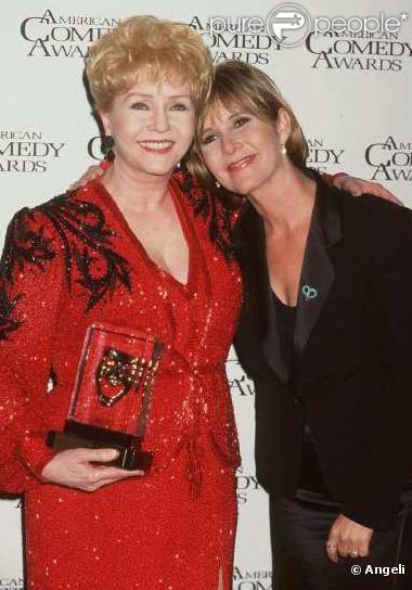 TRIEST: actrice Debbie Reynolds overlijdt een dag na haar dochter Carrie Fisher