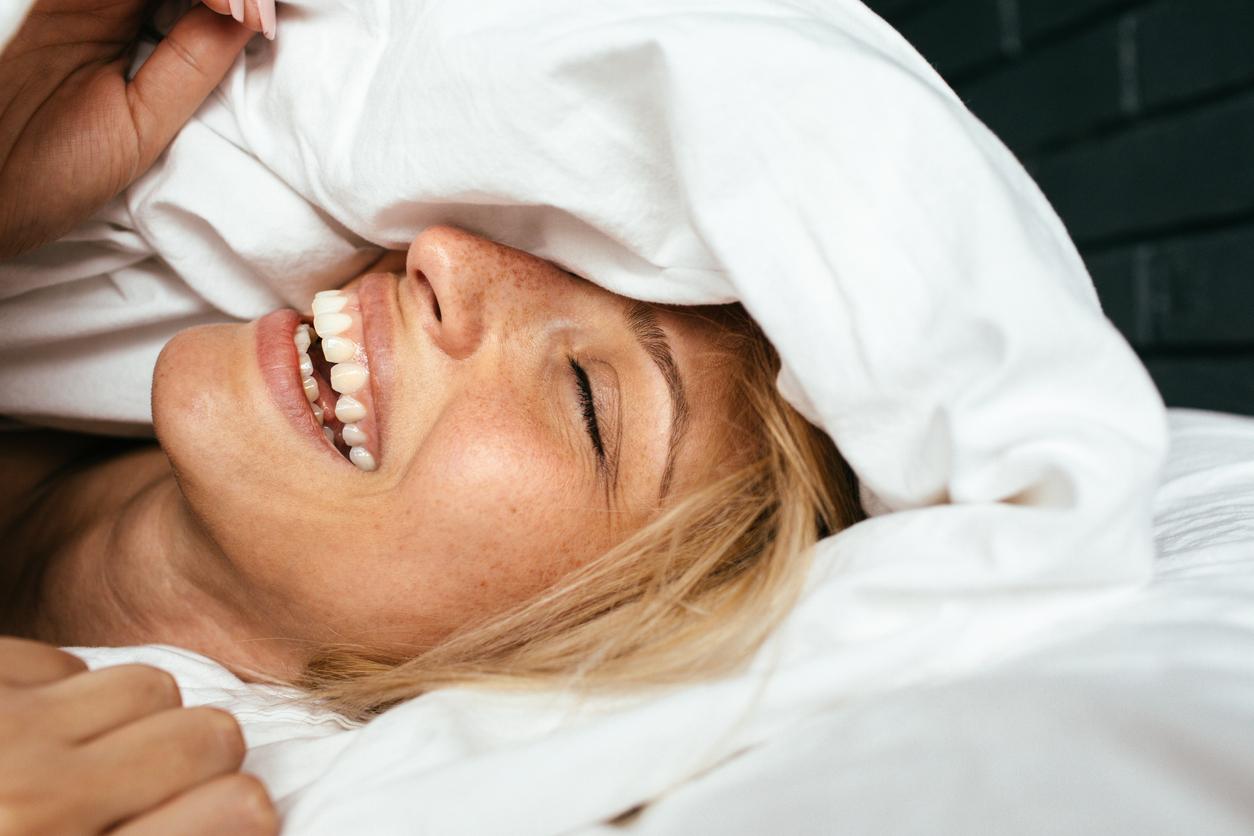Wat is nou beter: slapen met een staart of slapen met los haar?