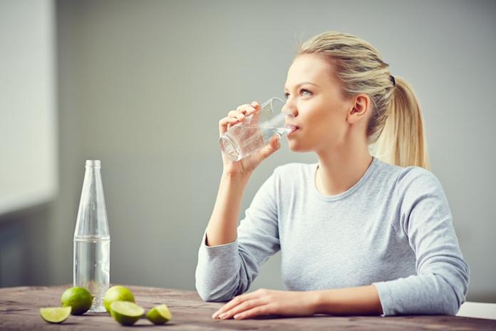 Doe de test: met dit handige trucje check je of je wel genoeg water drinkt