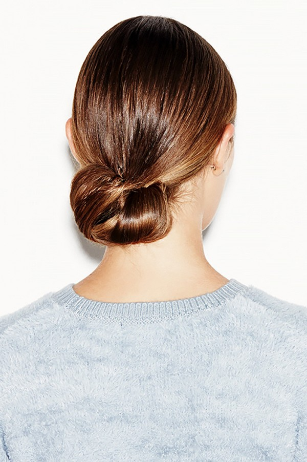 3-minute-hairstyles-for-when-youre-running-late-1587441.600x0c