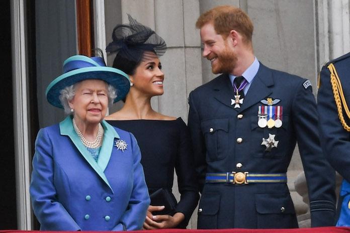 'Koningin Elizabeth gaat maatregelen treffen tegen vader van Meghan'