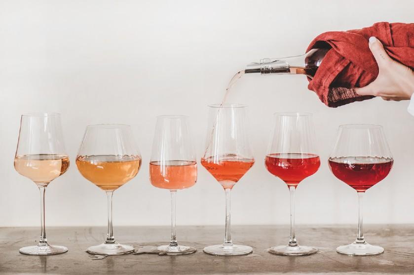 Cheers! Déze soort wijn past het best bij jouw sterrenbeeld