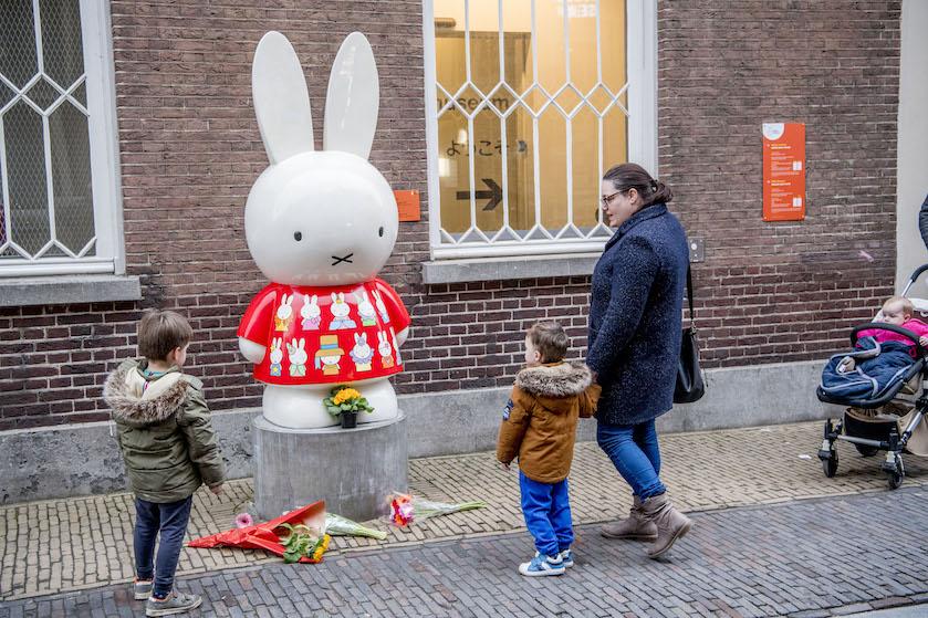 Mooi: huilende Nijntje wordt symbool van Utrechtse troost na aanslag