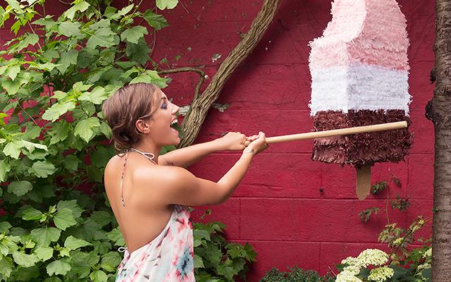 DIY: zo maak je zelf een piñata voor je volgende tuinfeestje