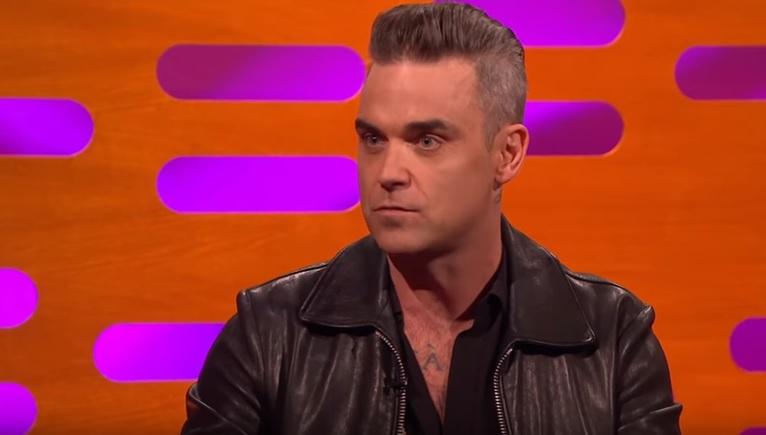 OEPS: Dit is het gekste geschenk dat Robbie Williams ooit kreeg van een fan!