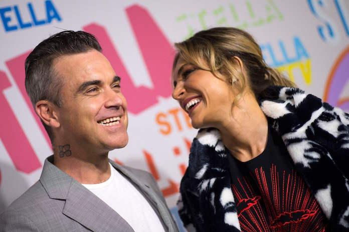 Robbie Williams openhartig over eerste periode met pasgeboren derde kind