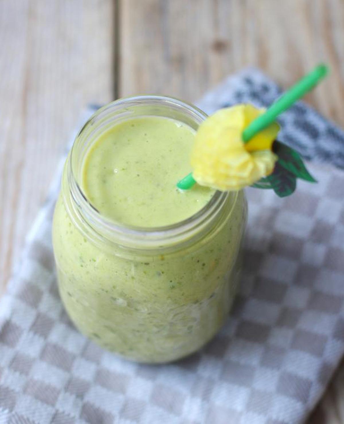 Groene smoothie met andijvie maken