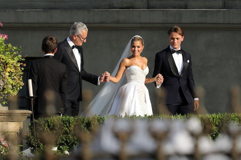 Bizar: paparazzi dreigden bruiloft Sylvie Meis en Niclas met opzet te verpesten