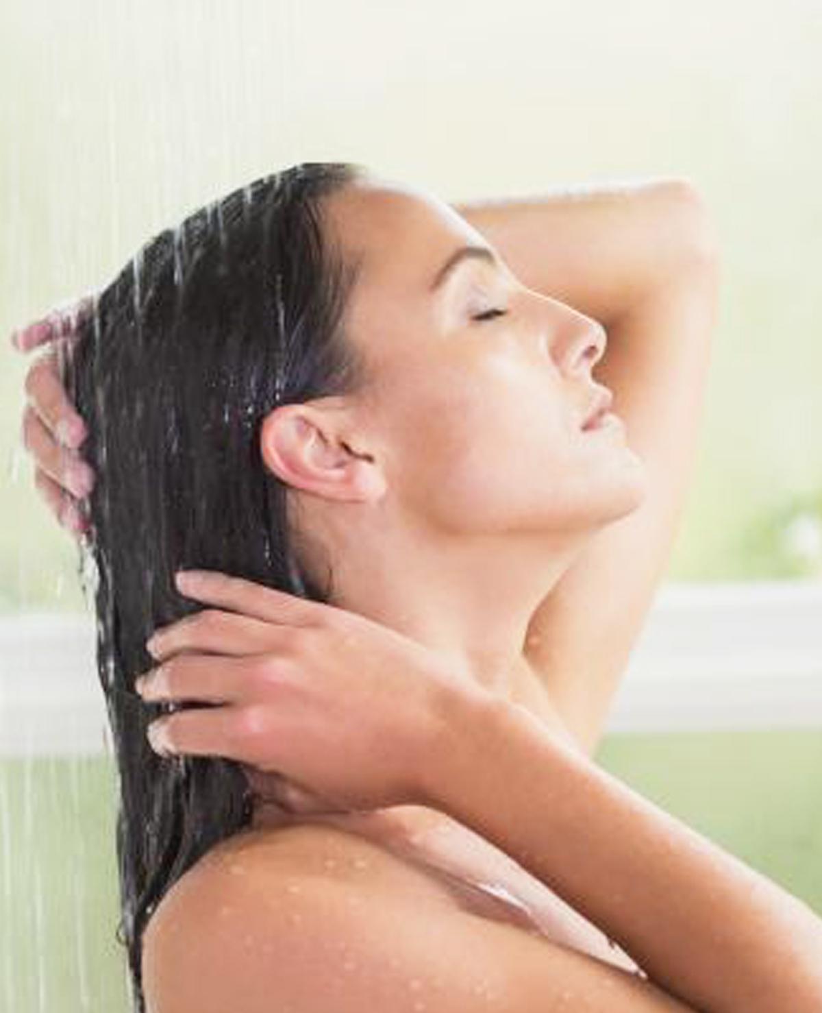 Daarom mag je echt niet te warm douchen