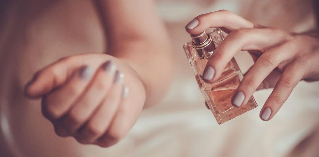 Vervliegt jouw parfum (te) snel? Probeer dit slimme trucje eens