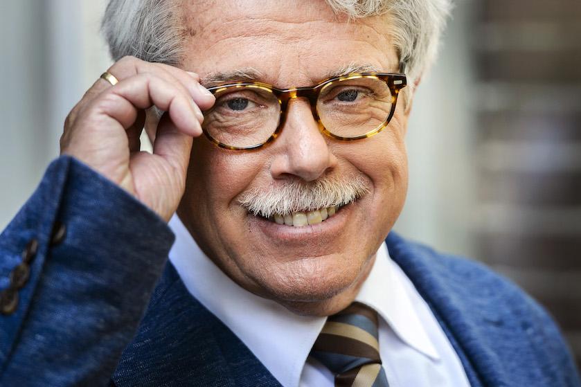 Kandidate 'Mr. Frank Visser doet uitspraak' lijkt volgens kijkers sprekend op Tineke Schouten