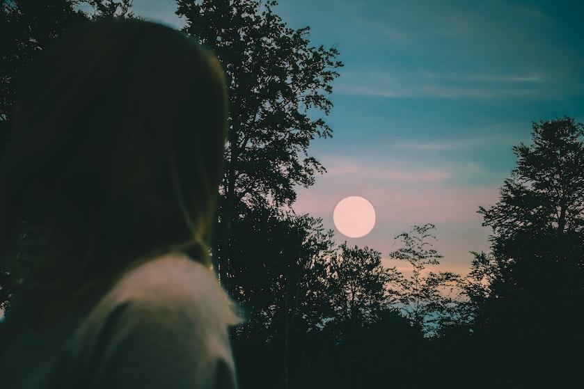Volle of nieuwe maan: dít effect hebben de verschillende maanstanden op je