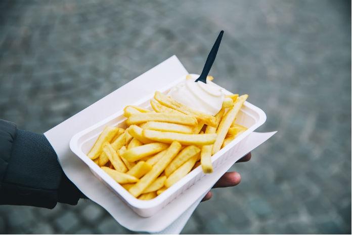 Week van de friet: gratis patat bij de Belgische grens