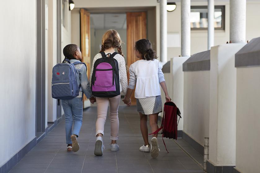 Eindelijk! De buitenschoolse opvang gaat na maanden weer open en da's óók goed nieuws voor andere ouders