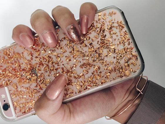 Inspiratie: 7 x roségouden manicures om nu te proberen