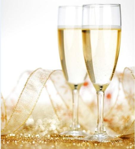 Say what? Champagne uit een plastic beker smaakt écht anders