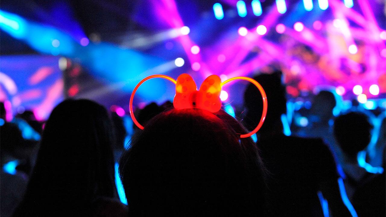 Hell yeah! Het dancefestival van Disneyland Parijs hoort op je must visit-list