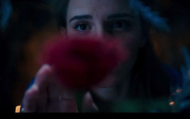WOW! Zo ziet Emma Watson eruit als Belle in 'Beauty and the Beast'!