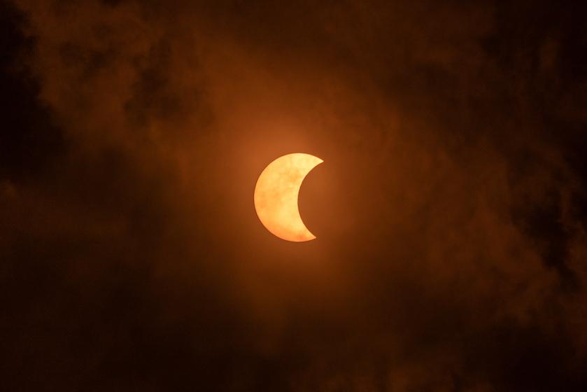 Eclipsbril klaar? Turen maar! Vandaag sinds zes jaar weer een zonsverduistering te zien