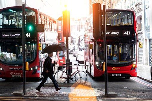 Cool! Nieuwe stoplichten in Londen speciaal voor Pride festival