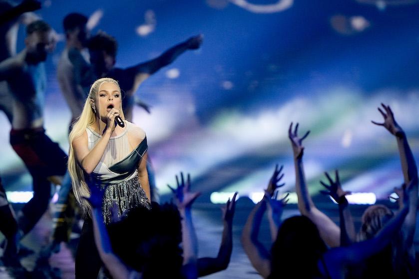 Davina Michelle blaast Europa (én alle songfestivalkandidaten) omver met beste intervalact ooit