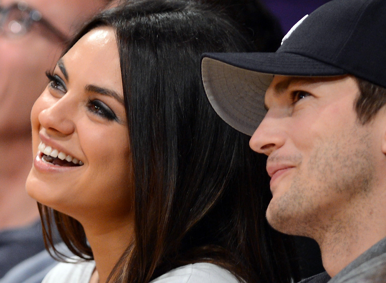 Oei! Iemand verklapte het geslacht van de baby van Mila Kunis en Ashton Kutcher!
