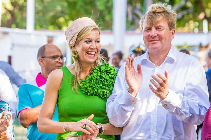 Willem-Alexander en Máxima gaan de wereld over met swingend filmpje