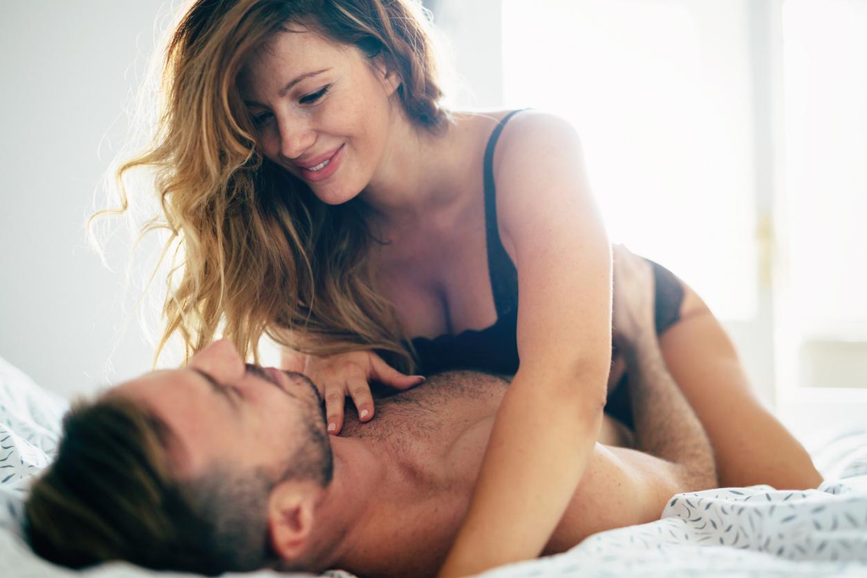 Bedgeheimen: 'Ik word helemaal wild als hij mijn borsten streelt en aan mijn tepels likt'