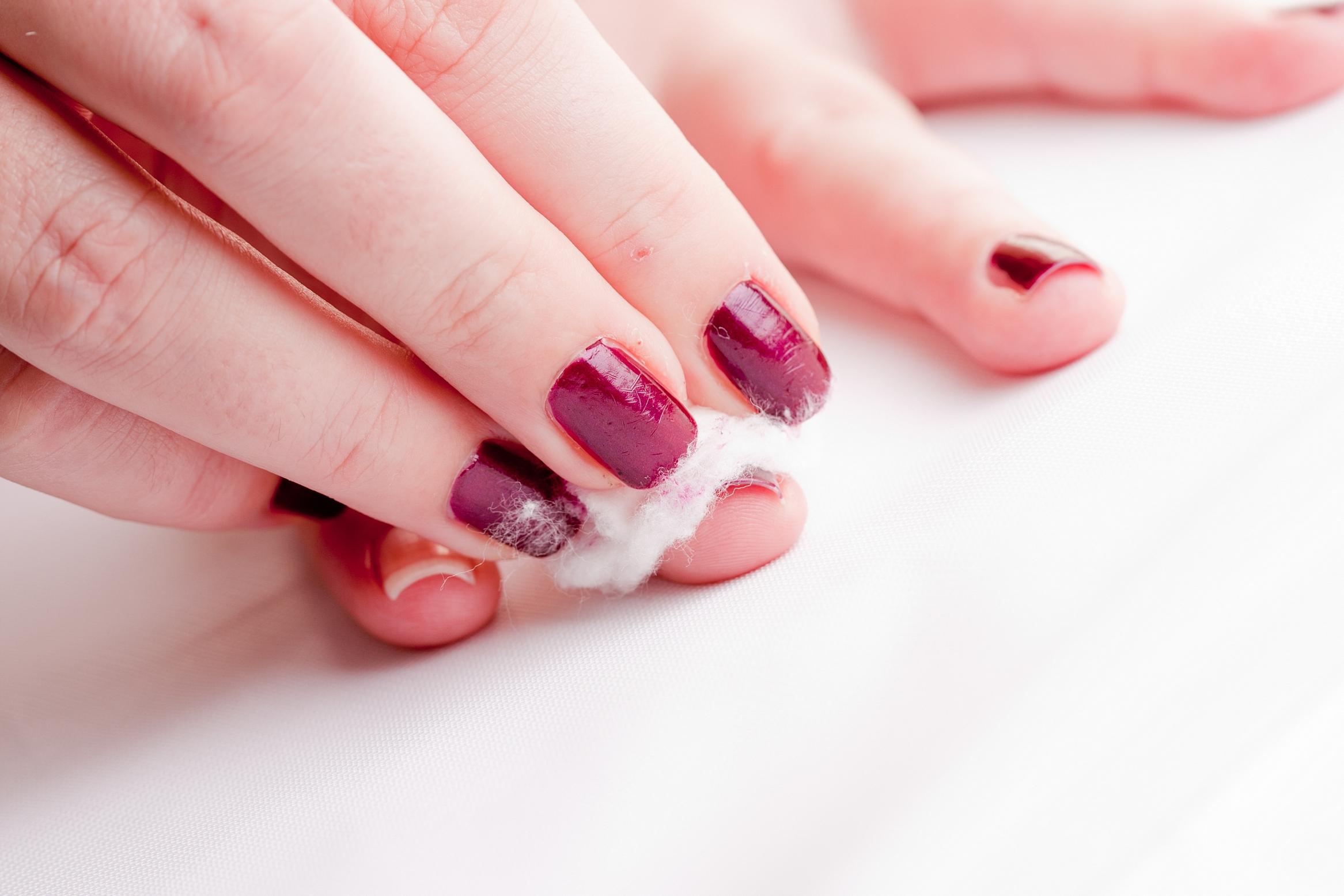 Trucje: Zo verwijder je nagellak zonder vlekken