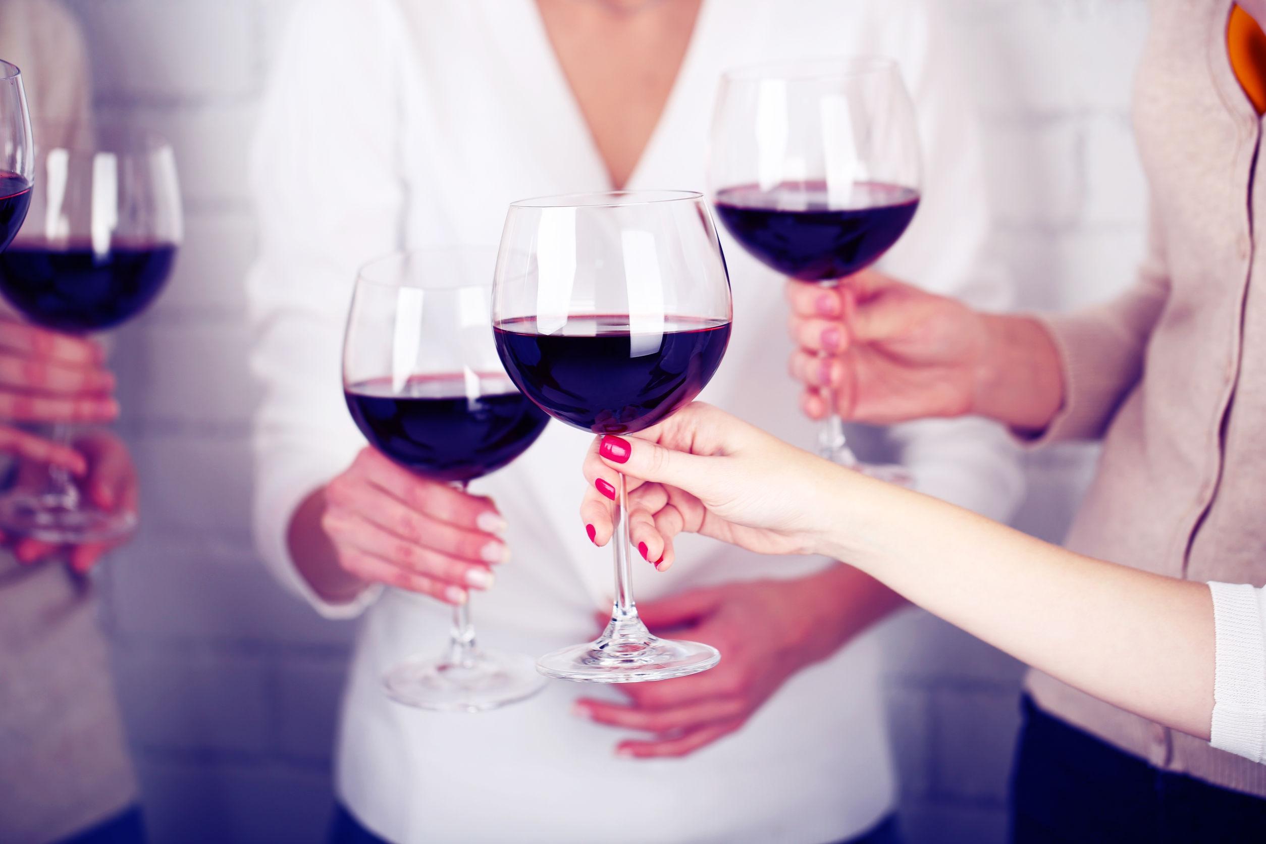 Deze vijf wijnhacks moet iedere wijnliefhebber écht kennen
