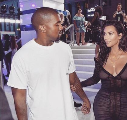 Kanye West kapt opnieuw vroegtijdig concert af – én haalt uit naar Beyoncé