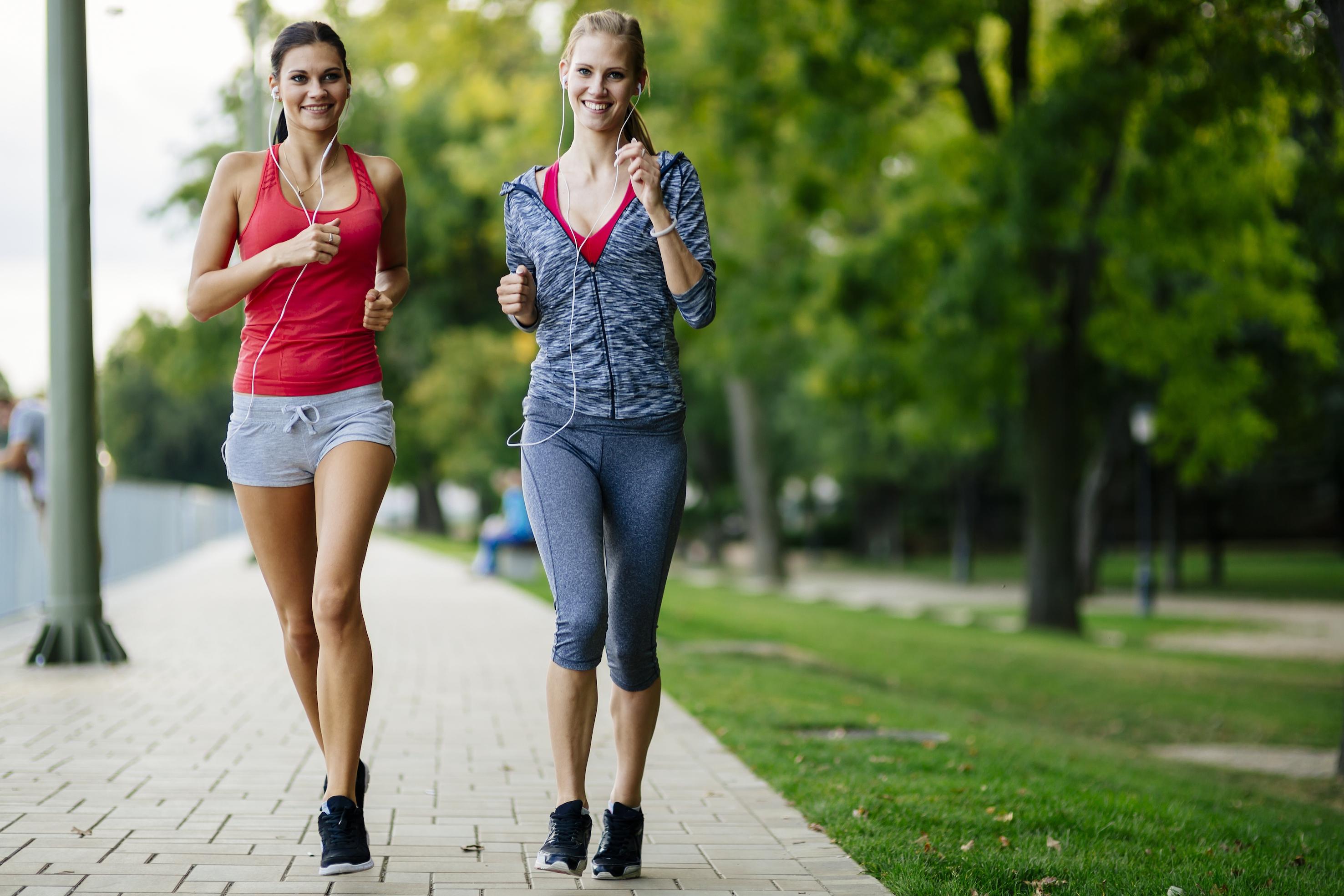 Zoveel kilometer moet je per week hardlopen om af te vallen!