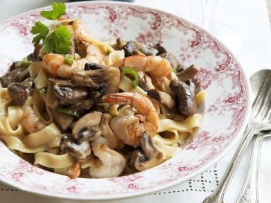 Recept: pasta met romige scampi's en kastanjechampignons