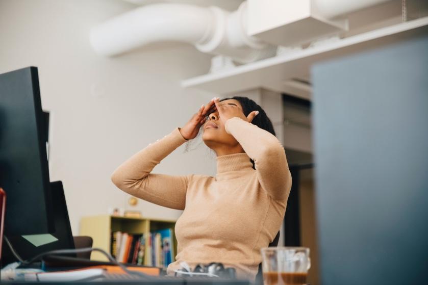 Oops: dit zijn vijf signalen die je lichaam je geeft wanneer je al veel te lang gestrest bent